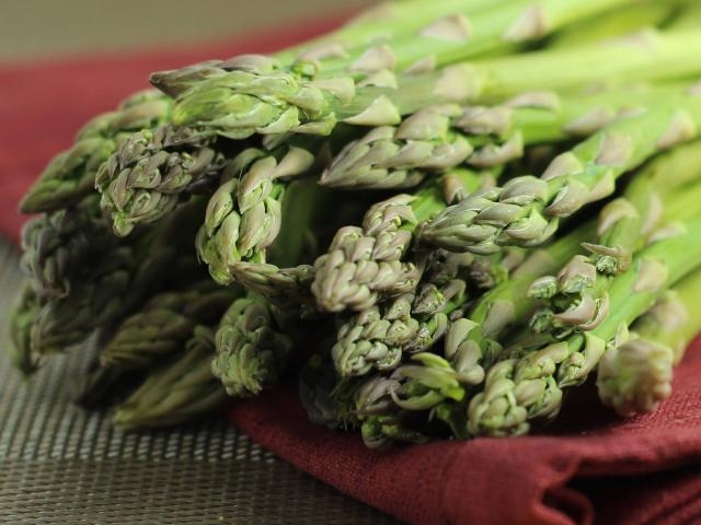 Asparagus, Seasonal Vegetables, Illinois vegetables